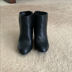 Black ankle booties size 6